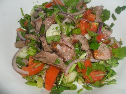 Thai beef salad nam doc nua