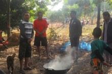 men-round-fire
