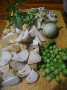 Pea egg plant-straw mushrooms-thai-basil