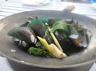 Mussels-lemongrass-steamed-thai-authentic-recipe