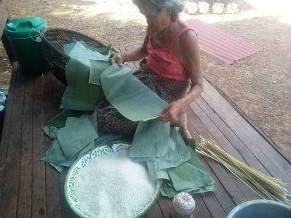 Banana leaf- cut to size- wrapping for desserts