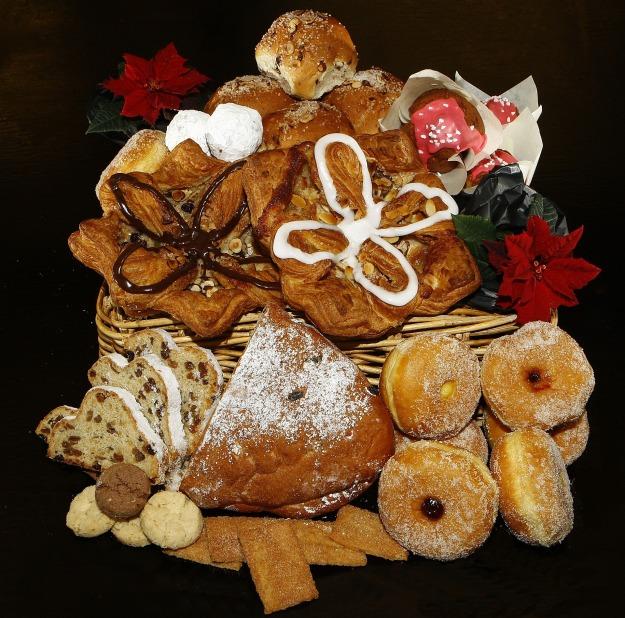 christmas-cakes-1584262_1920