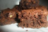Chocolate-brownies-walnuts