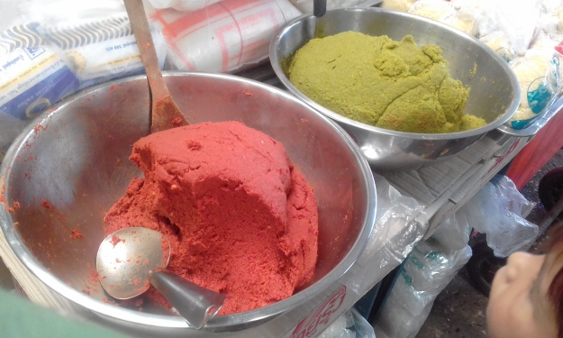 Tassabahn Market curry paste