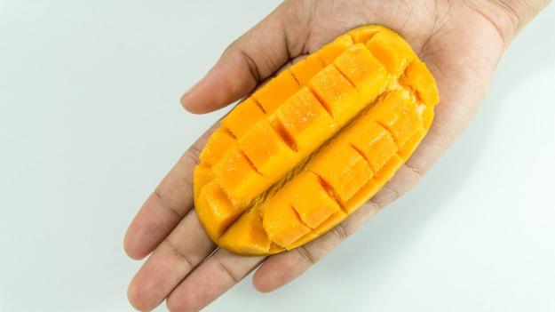 How to cut mango