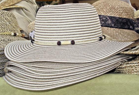 sun-hat-2428843_640