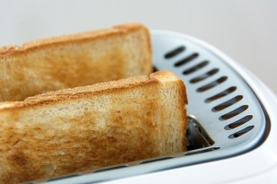 sliced white bread toast-1077889_1280