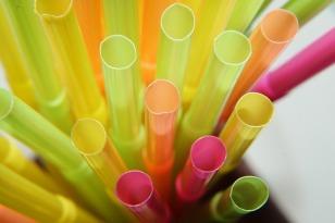 Plastic straw-229470_640