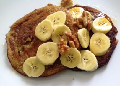 banana maple syrup pancakes