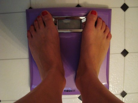 lady feet weighing scales