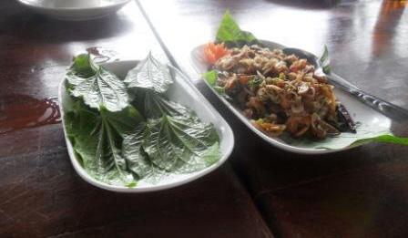chicken and betel leaves