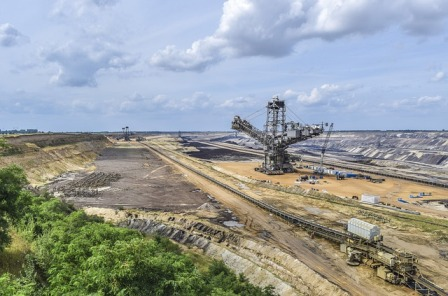 Mining landscape-4359644_640