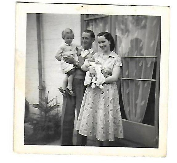 family group mum dad me and tina 1953