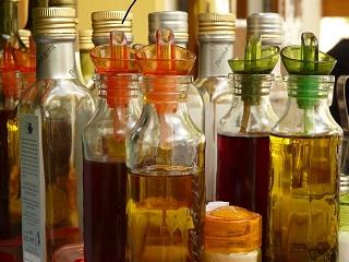 vinegars bottle-589_640