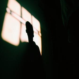 dark room -2565040_640