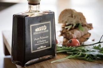 Balsamic vinegar food-3360720_640