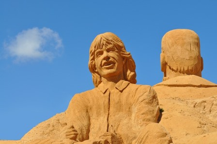 sand-sculpture-541801_640